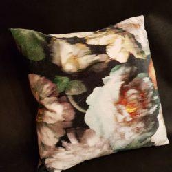 Cushion Black Edition